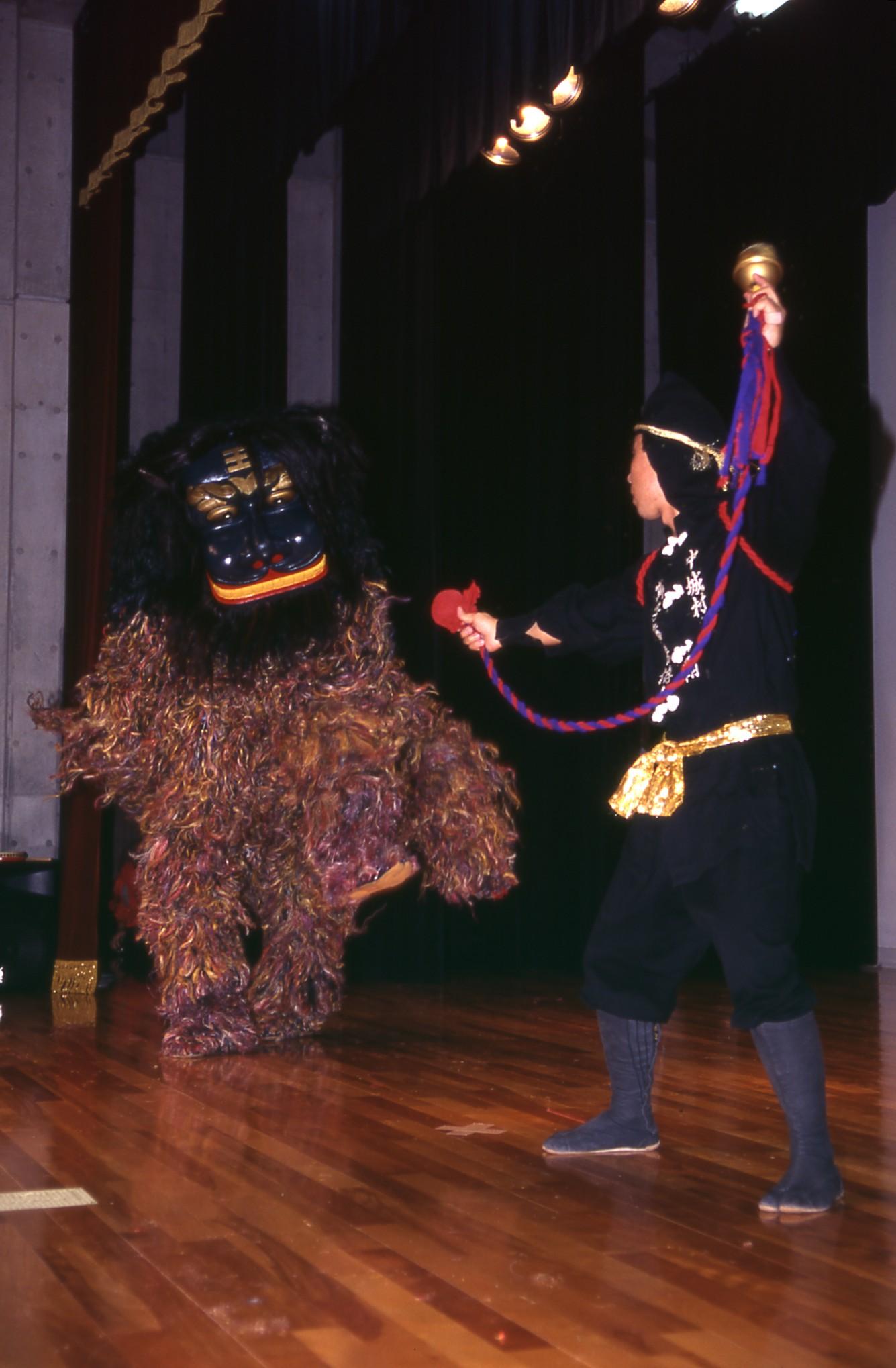 指定9津覇の獅子舞①企画課所有