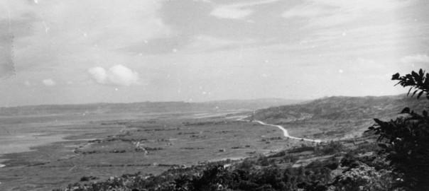 104 中城城跡から見た中城の遠望