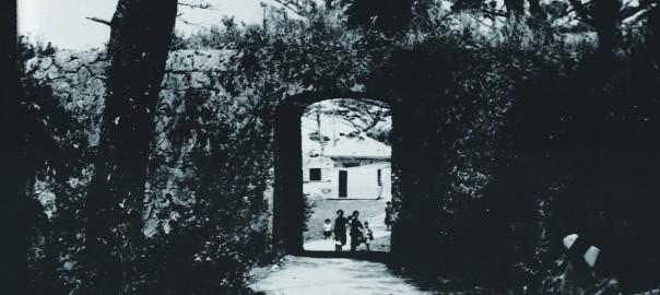 28 中城城跡内 アーチ門